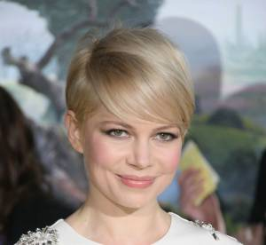 Michelle Williams, Angelina Jolie... : baume, gloss, l'atout fraicheur des stars