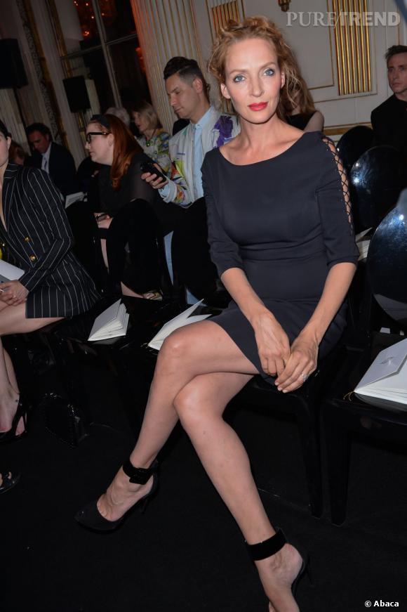 Uma Thurman au défilé Versace à Paris.