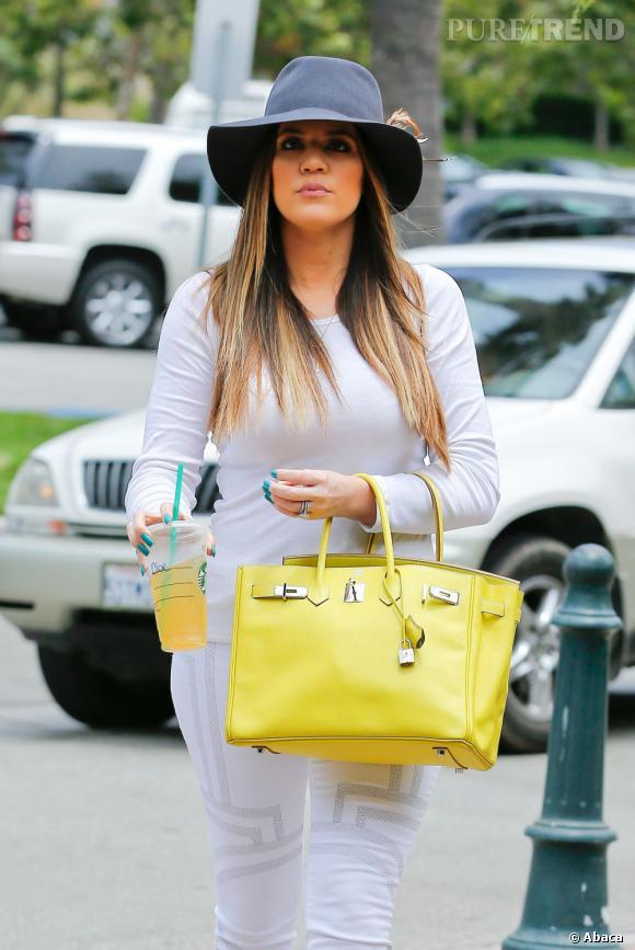 Khloe Kardashian dans les rues de Los Angeles.