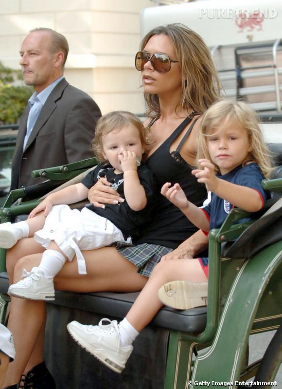 Victoria et David Beckham peuvent se targuer d'avoir très certainement les plus beaux enfants du monde du show business. Brooklyn, Romeo (à droite) et Cruz (à gauche) sont deux adorables garçons. Leur fille Harper n'est pas en reste.