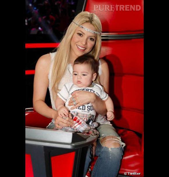 Milan au côté de sa maman Shakira.