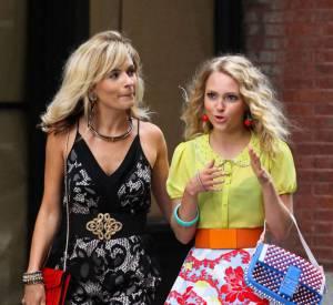 """Lindsey Gort et AnnaSophia Robb tournent la saison 2 de """"The Carrie Diaries""""."""