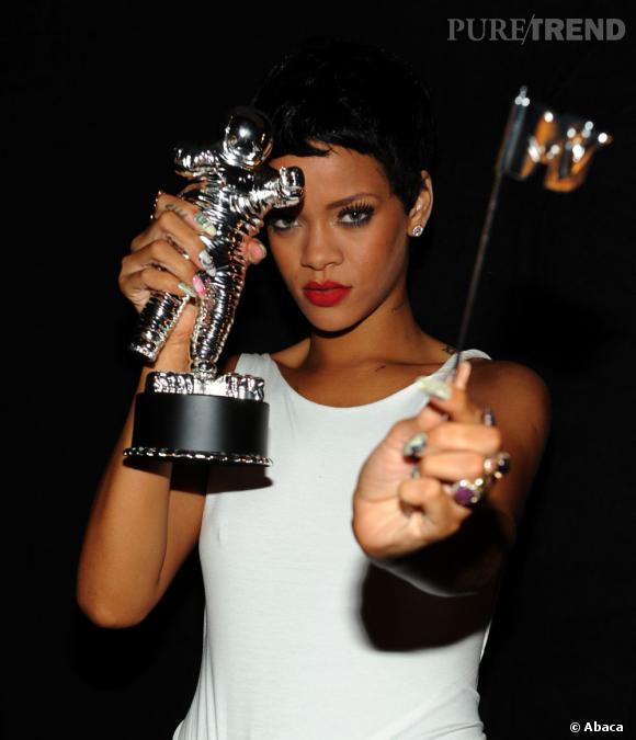 Rihanna décroche son 20ème N°1 au Billboard.