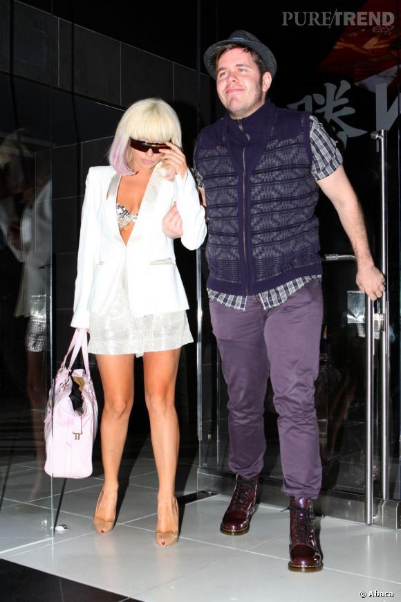 Lady Gaga et Perez Hilton lors d'une sortie au restaurant.