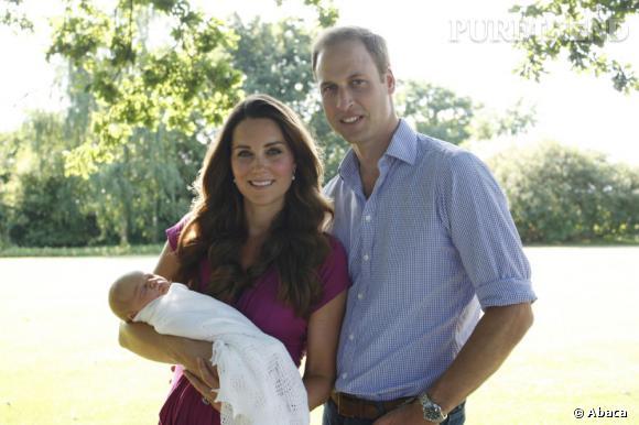 Les premières photos officielles de Kate Middleton et du Prince William avec le Prince George ciritiquées par les médias anglais.