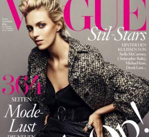 Le top et it-gril Anja-rubik prend la pose sur la couverture du Vogue allemand.
