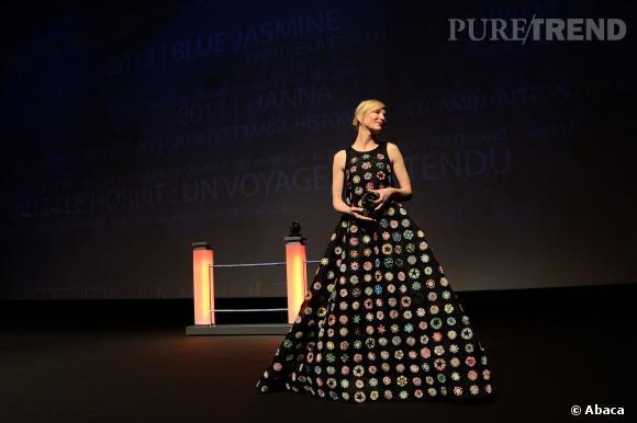 """Cate Blanchett en robe Dior Couture Fall 2013 lors de la première du film """"Blue Jasmine""""."""