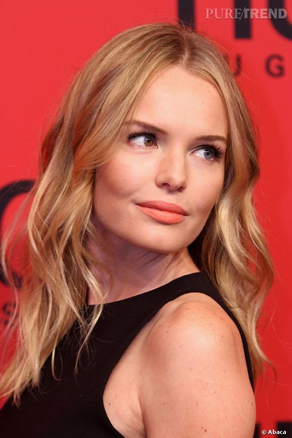 Kate Bosworth aime aussi porter des couleurs plus douces sur sa bouche comme le corail.
