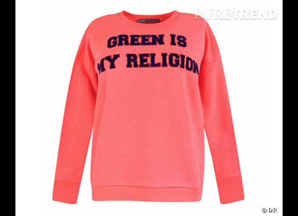 "Le must have d'Amélie W.     Sweat ""Green is my Religion, Ekyog, 95 €"