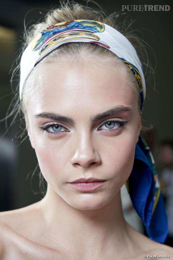 Cara Delevingne et son look estival  Défilé Dolce & Gabbana printemps-été 2013