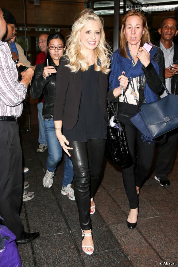 """Sarah Michelle Gellar, le pantalon en cuir, effet """"Buffy"""" garanti !"""