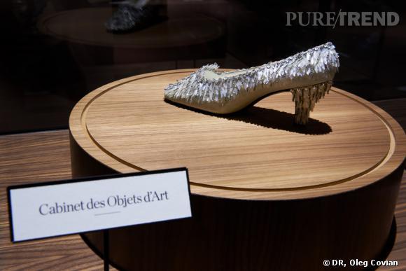 Département Cabinet des Objets d'art     1960, Escarpin Roger Vivier pour Christian Dior -   Exposition Roger Vivier Palais de Tokyo 2013