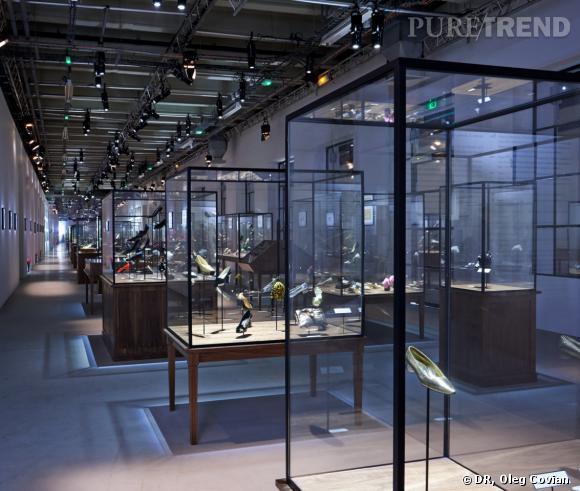 Exposition talon virgule, etc.    Dans les pas de Roger Vivier Au Palais de Tokyo