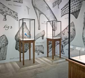 Département Salle des Talons Exposition Roger Vivier Palais de Tokyo 2013