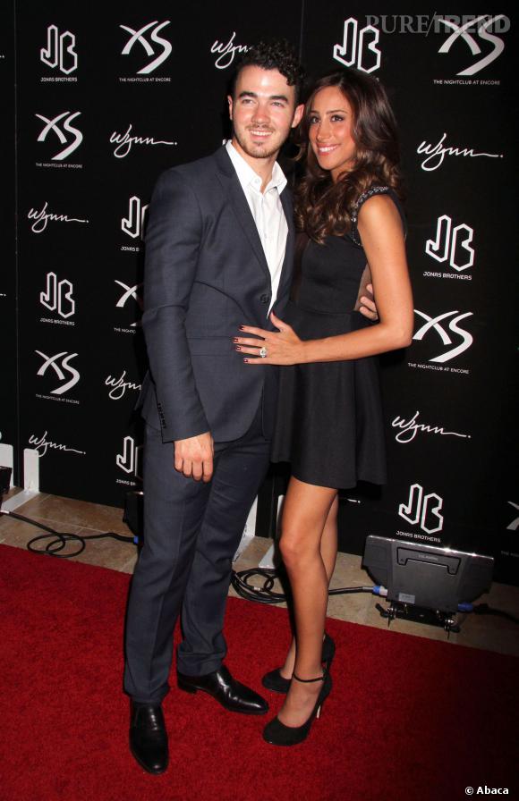 Danielle et Kevin Jonas en septembre dernier, la jeune femme devrait en être à plus de la moitié de sa grossesse...