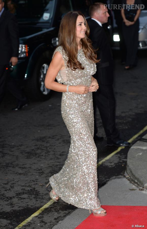 Lors de sa première apparition officielle après son accouchement, Kate Middleton était radieuse.