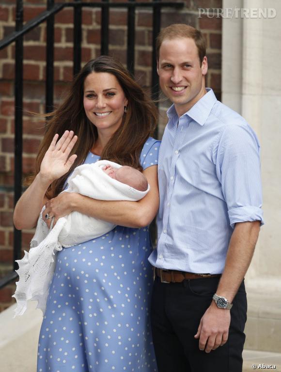 Kate Middleton et le prince William à la sortie de l'hôpital St Mary.