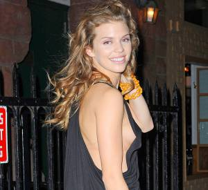 AnnaLynne McCord, chatain-blond en 2011