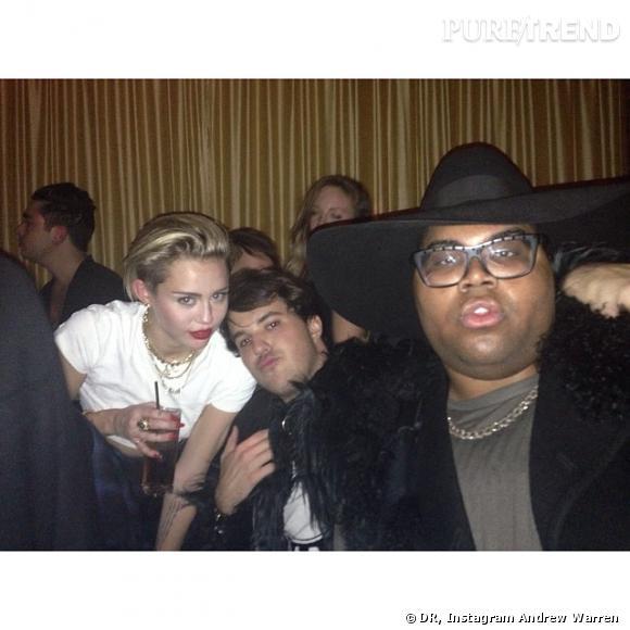 En tout cas, on a bien la preuve que Miley était au 1Oak ce soir-là..