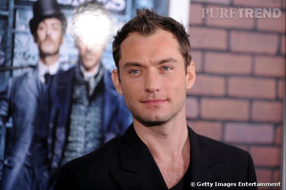 Jude Law, c'est aussi de grands yeux bleus.