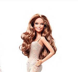 Jennifer Lopez version Barbie : mais où sont passées ses fesses ?!