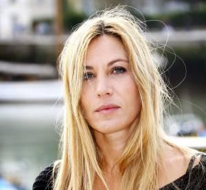 Mathilde Seigner : son parcours beauté en 15 looks