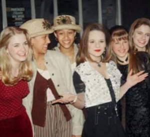 Tia Mowry poste une photo datant des années 90 avec toutes jeunes stars de cette époque !
