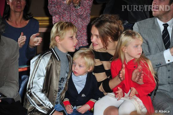 Le mannequin Natalia Vodianova est à la tête d'une famille de trois enfants... bientôt quatre puisque son compagnon Antoine Arnault a récemment confirmée qu'ils attendaient un heureux événement.