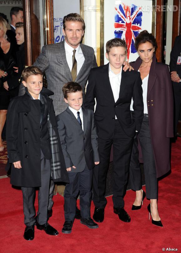 Le clan Beckham presque au complet avec David et Victoria et leurs trois fils : Brooklyn, Romeo et Cruz.