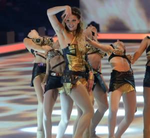 "Tatiana Golovin très bestiale en tenue lamée pour ""Roar""."