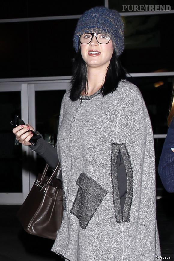 Poncho, bonnet XXL : Katy Perry met tout en oeuvre pour se faire discrète...