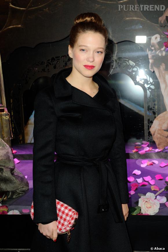 Léa Seydoux ne laisse pas de marbre Charlotte Le Bon.