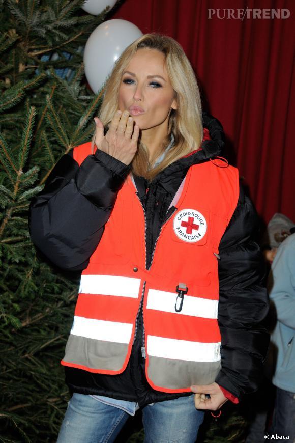 """L'ambassadrice de la Croix-Rouge Française Adriana Karembeu au Cirque Pinder mercredi 11 décembre 2013 à l'occasion de l'opération """"Tous en fête""""."""