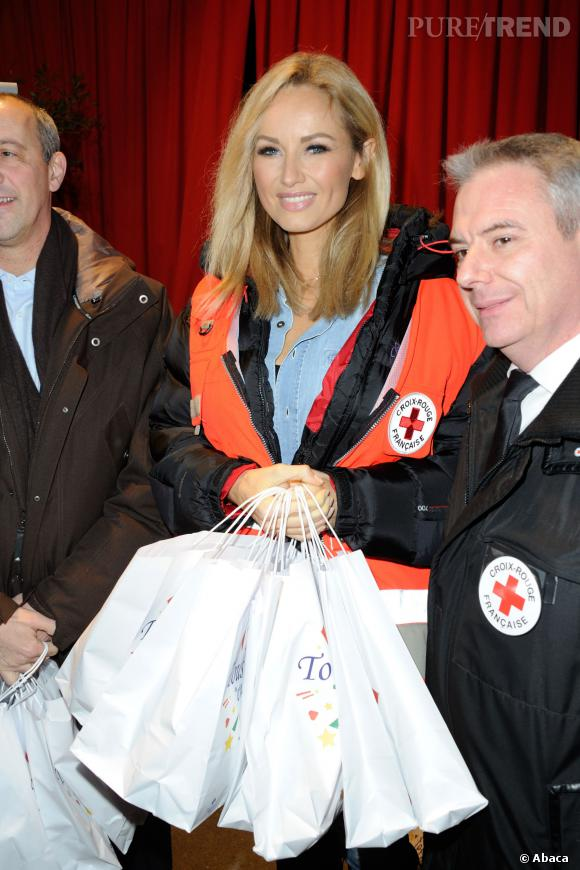 Adriana Karembeu est toujours très impliquée dans les opérations de la Croix-Rouge Française.