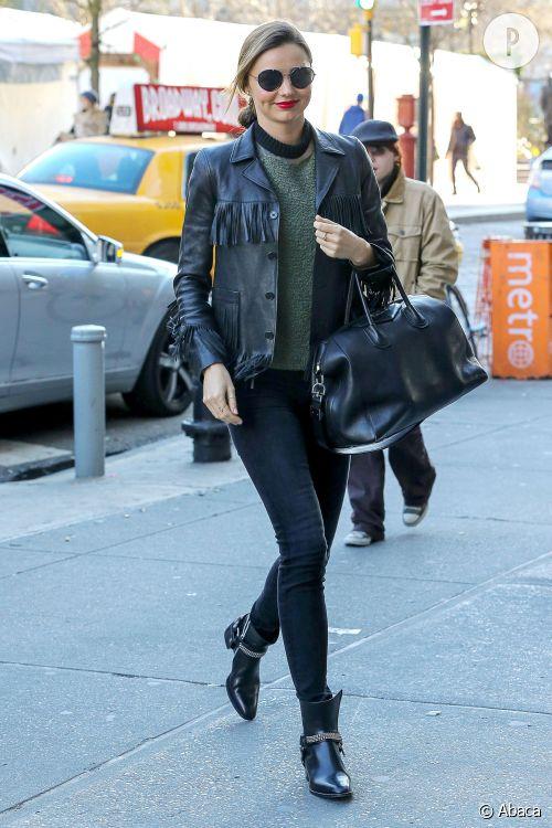 Miranda Kerr s'offre une apparition très tendance dans les rues de New York.