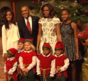 La famille Obama célèbre Noël à la Maison Blanche.