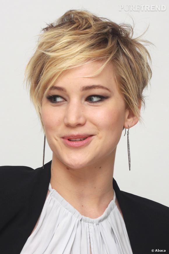 jennifer lawrence et sa nouvelle coupe de cheveux. Black Bedroom Furniture Sets. Home Design Ideas
