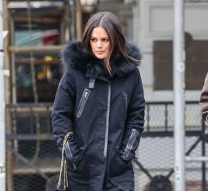 Pour aller déjeuner, Rachel Bilson préfère tout de même miser sur des bottes fourrées...