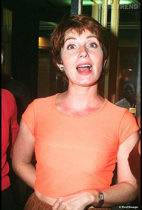 Véronique Genest en 1997 avec les cheveux tout courts.