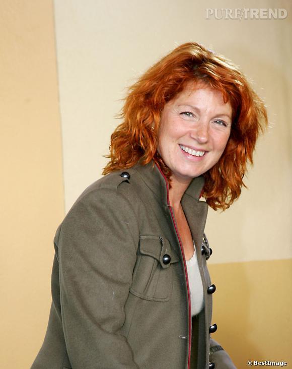Véronique Genest, tout sourire à l'avant-premère de Chicken Little en 2005.