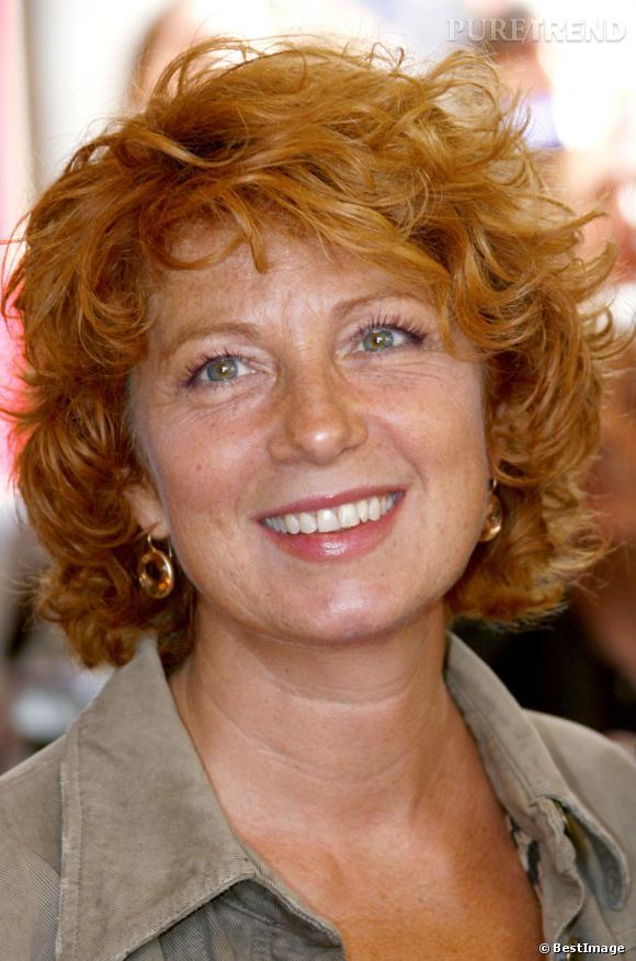 Mine bronzée et sourire radieux, Véronique Genest est une bien jolie Julie Lescaut?