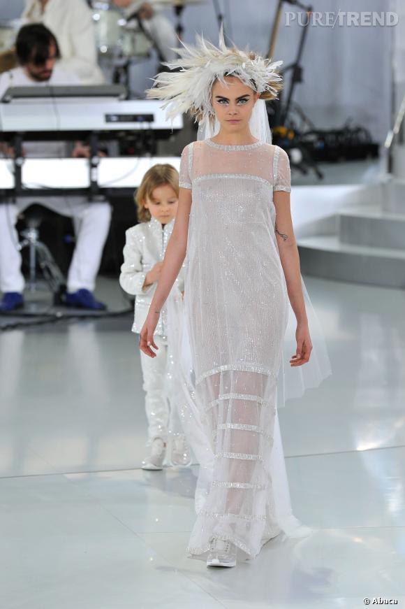 Cara Delevingne, la mariée mutine de Chanel Couture Printemps-Eté 2014.