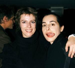 """Karin Viard et Amira Casar à la soirée organisée pour la sortie de """"France Boutique"""" en 2003."""