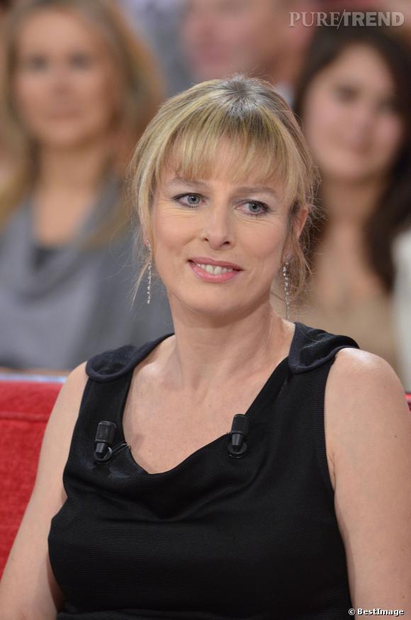 """Karin Viard sur le plateau de """"Vivement dimanche"""" en 2012."""