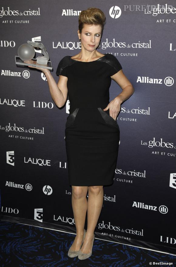 Karin Viard à la remise des prix Globes de Cristal au Lido en février 2012.
