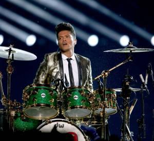 Bruno Mars a offert aux spectateurs du Super Bowl 2014 un show incroyable de 13 minutes !