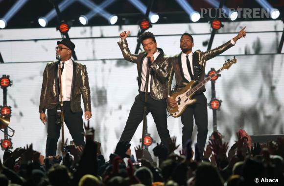 """Locked Out in Heaven"", ""Treasure""... Bruno Mars a mis le feu au Super Bowl 2014."