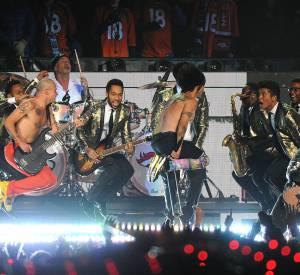 Bruno Mars + Red Hot Chili Peppers = une mi-temps du Super Bowl 2014 super hot !