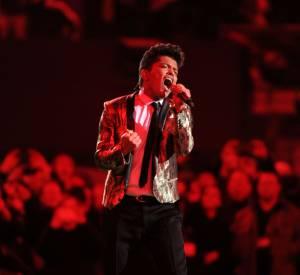Bruno Mars, émouvant devant 100 millions de téléspectateurs au Super Bowl 2014.