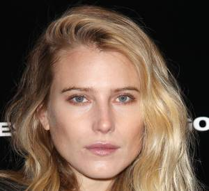 Dree Hemingway, beauté au naturel au défilé Diesel Black Gold à la Fashion Week de New York.